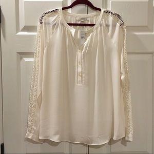 LOFT Tops - NWT LOFT Lace Sleeve Blouse Size Large